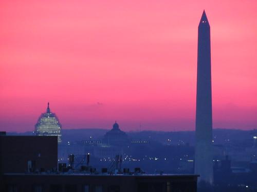 capitol pink dome sunrise washingtondc crackofdawn morning serene vibrantcolor rosa murky