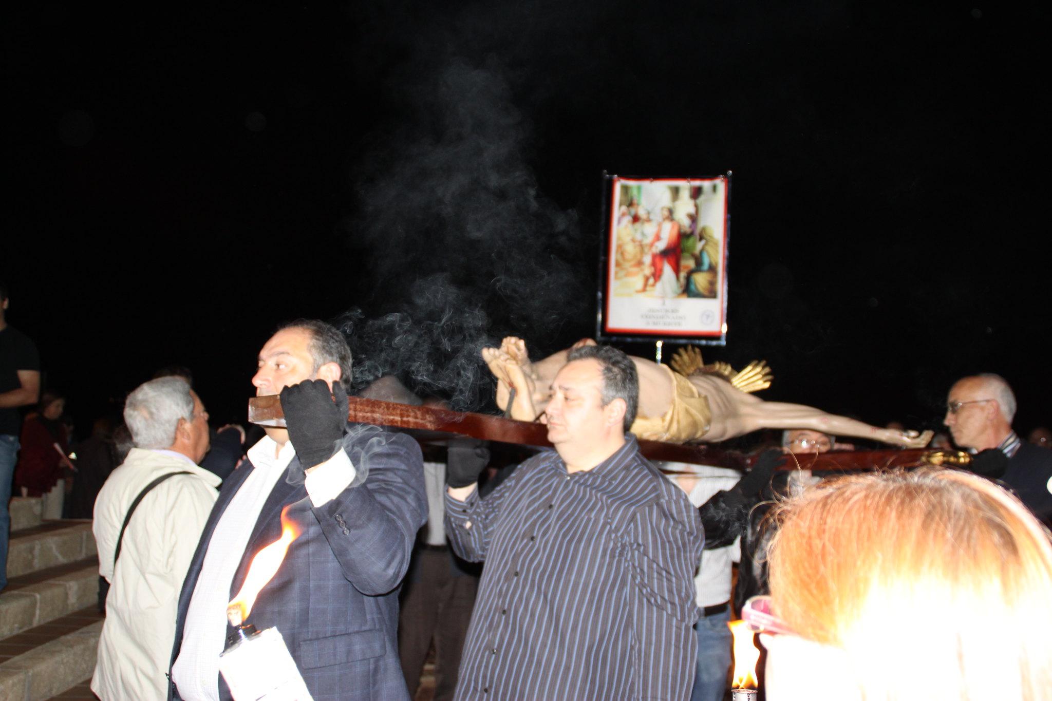 (2014-04-01) -  V Vía Crucis nocturno - Javier Romero Ripoll (11)