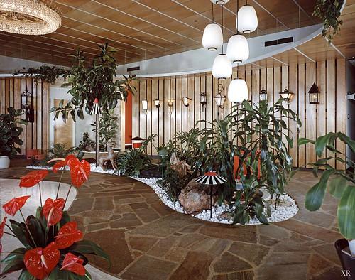 1960 ... Lightolier showroom!