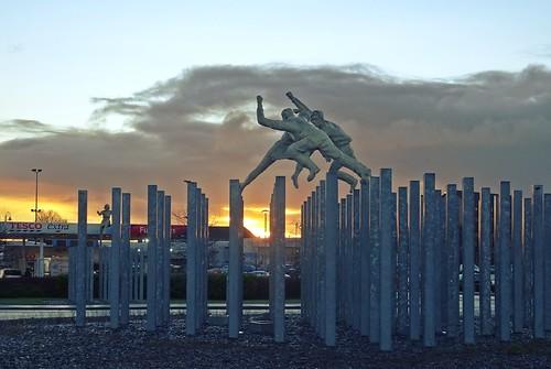 glasgow morning rutherglen tesco sunrise roundabout sculpture dalmarnock bricheno davidannand reelofthree scotland escocia schottland écosse scozia escòcia szkocja scoția 蘇格蘭 स्कॉटलैंड σκωτία