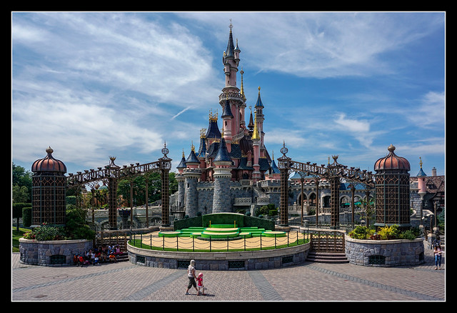 0827 disneyland paris