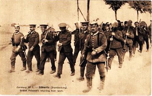 Británicos prisioneros regresan del trabajo forzado 1914