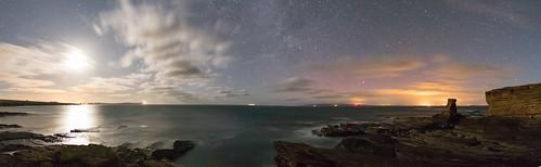 seastack stjohnspoint mey caithness aurora northernlights panorama nightskyphoto moonlit northcoast500 nc500