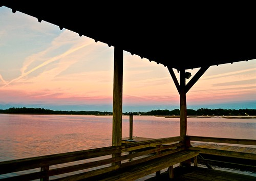 pink november blue autumn sunset cloud color reflection fall sc colors silhouette clouds creek reflections river pier dock nikon pastel south southcarolina beaufort prettyinpink lowcountry carolinas 2015 beaufortcounty nikon2485 batterycreek nikond610
