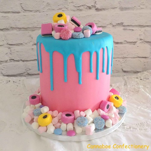 The newest trend in Wedding cakes at the moment is having a colour drip cake. These cakes are very vibrant and use lots of colour. So, of course, I had to try one. I love marshmallows and the round coloured liquorice allsorts so they had to be included to | by cacamilis