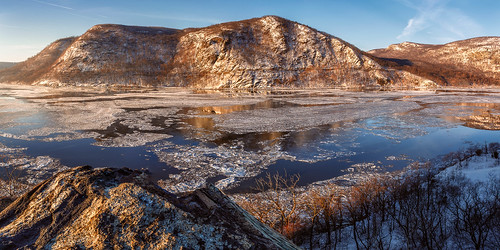 winter snow newyork mountains ice water rock sunrise river morninglight calm clear hudsonriver tranquil hudsonvalley clearskies hudsonhighlands coldspringny littlestonypoint hudsonhighlandsstatepark