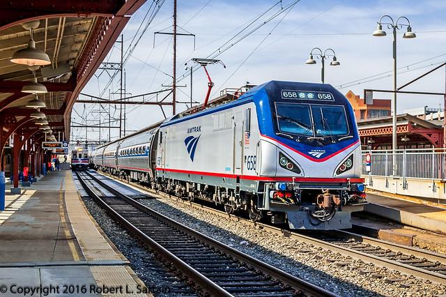 Amtrak 658 on 186, Wilmington, 2016-03-24