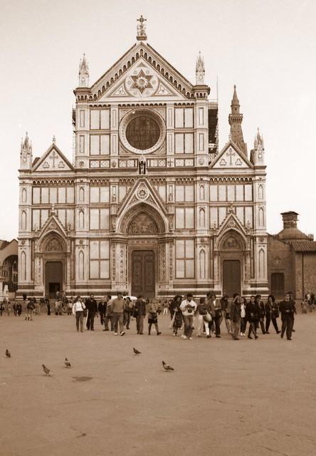 Facade of Basilica di Santa Croce.