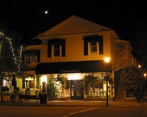 Saratoga by night