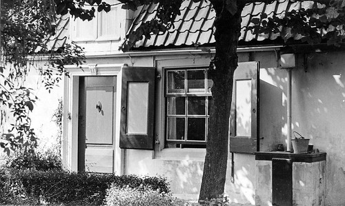 1930's, Veere, Dijkhuis, door & well | by doc(q)man