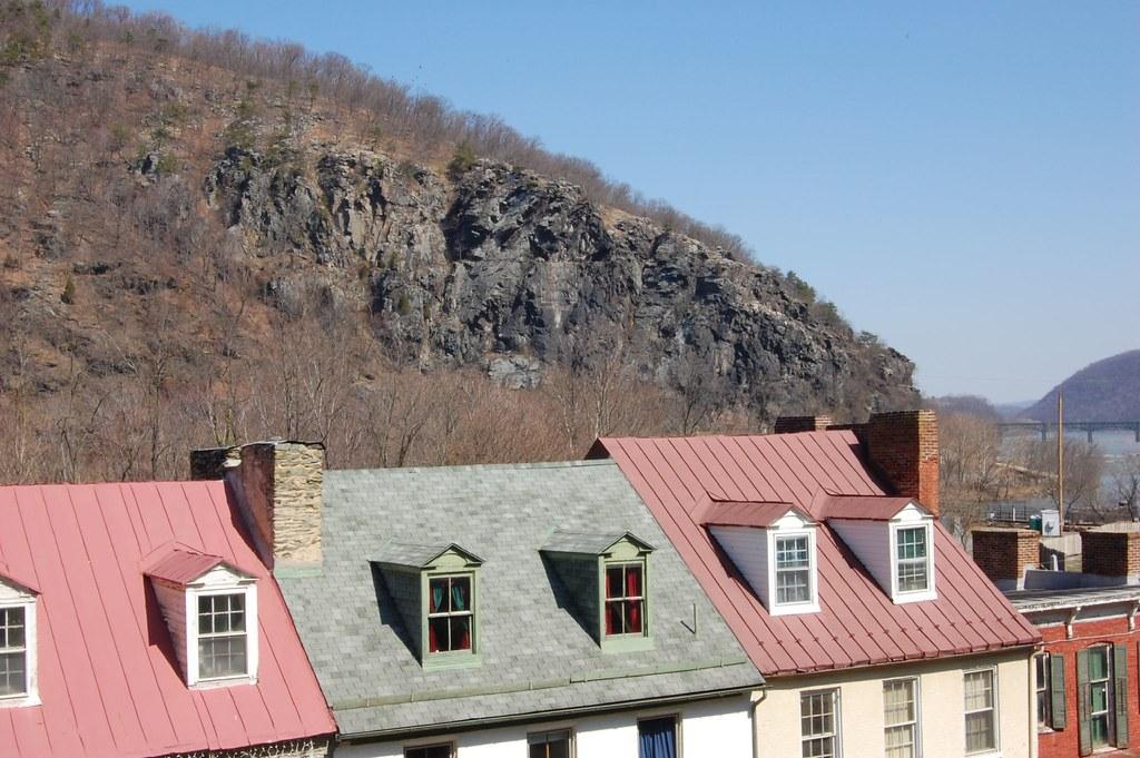 Cliffside Advertisement