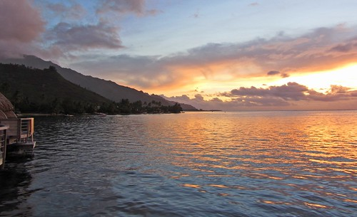resort sunset tahiti polynesia pearlbeach sunrise island atoll beach ポリネシア モーレア ソシエテ諸島 francehpolynesia タヒチ society frenchpolynesia societyislands フレンチポリネシア moorea 珊瑚礁 pool younggirl