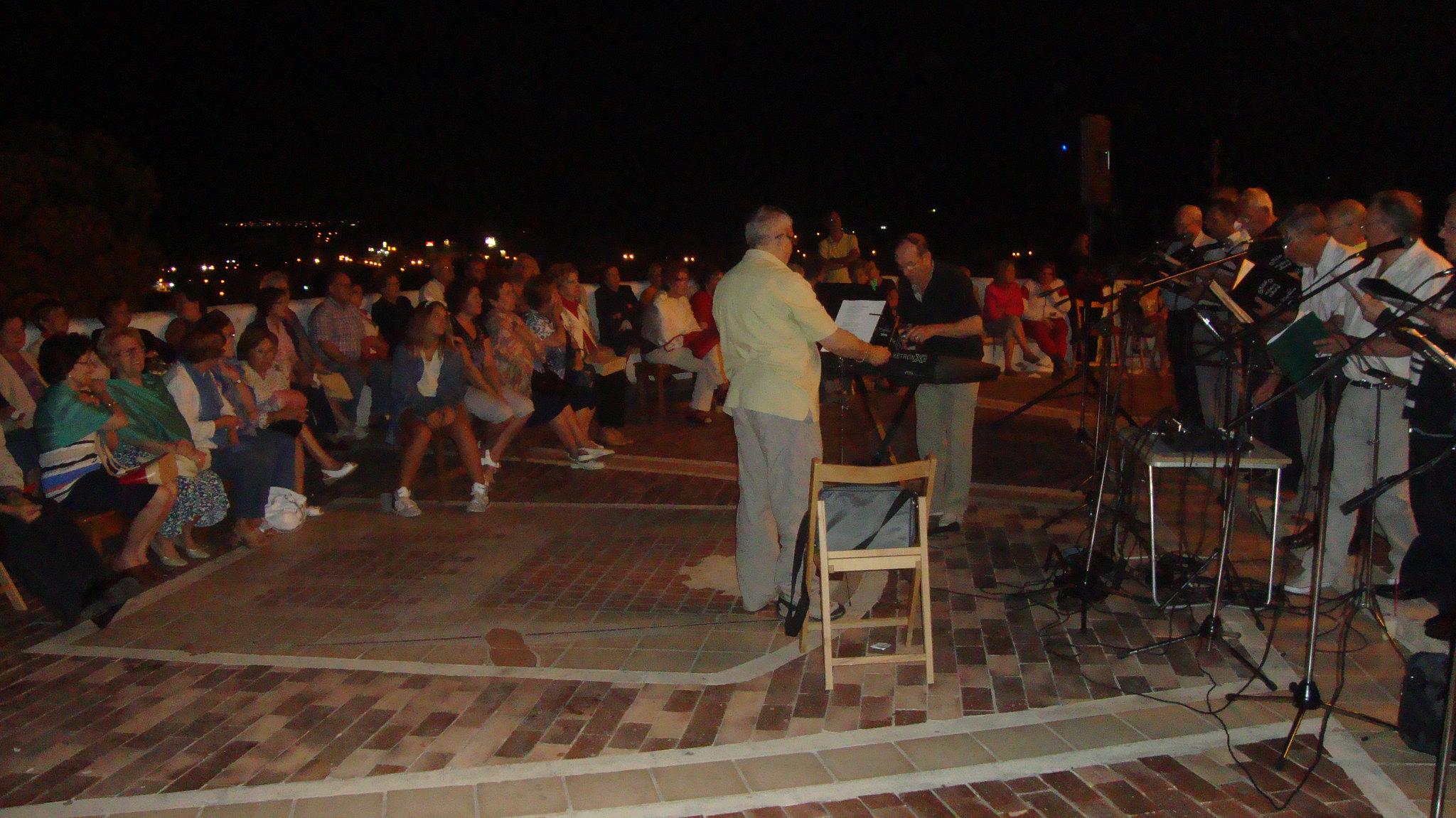 (2012-06-15) - III Serenata Los Marchosos - Javier Montesinos Villaplana (04)