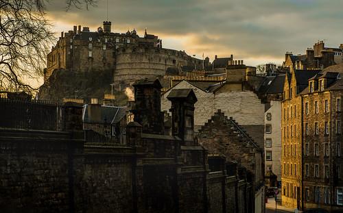 houses homes sunset castle castles rock scotland edinburgh sonnenuntergang row matthias manor palaces burg mauer schottland greyfriars felsen stately abendsonne hillen kirkyard candlemaker matthiashillen