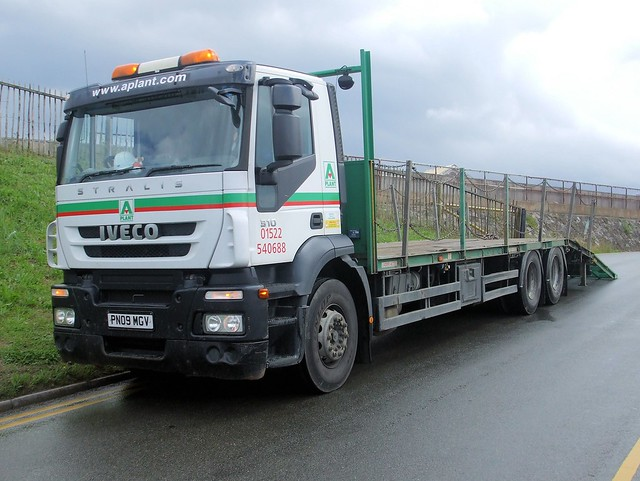 PN09 MGV  2009  IVECO 310 STRALIS  AD260S31Y  Platform Truck  A PLANT
