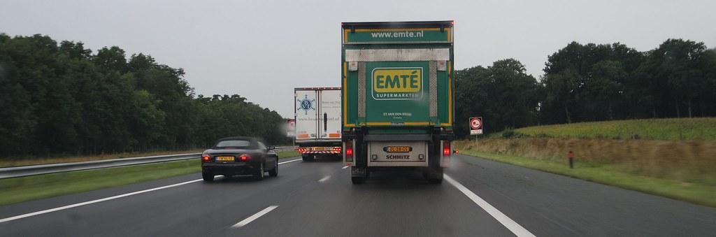 Inhalende Vrachtwagens