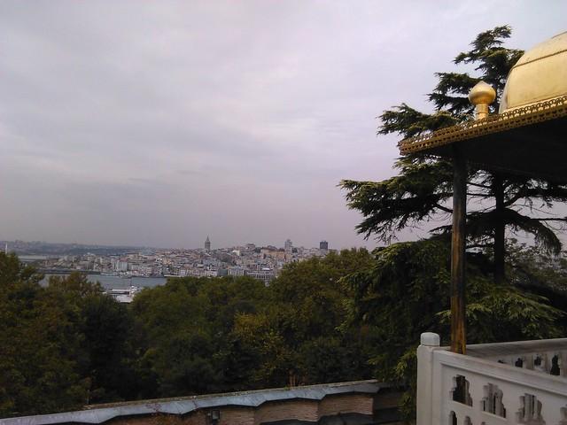 Vista de la parte europea de Estambul desde el Cuerno de Oro. Palacio de Topkapi. Estambul (Turquía).