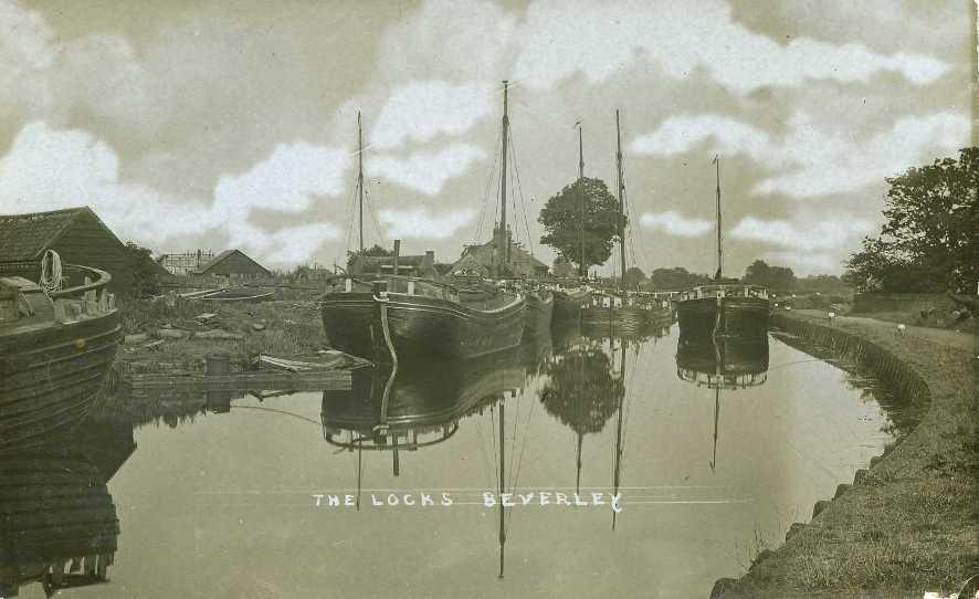 The Locks, Beverley 1900s (archive ref PO-1-14-188)