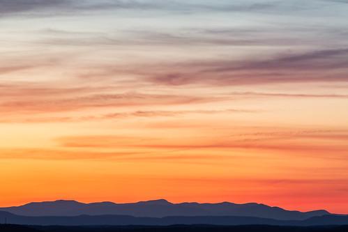 sunset river hudsonriver hudsonvalley sugarloafmountain mountainpeaks hudsonhighlands