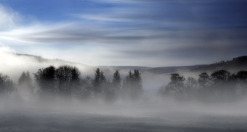 uk morning trees winter sky cloud mist field fog wales sunrise canon river landscape outdoors eos dawn britain cymru cardiff breconbeacons caerdydd 5d brecon beacons usk powys mkiii talybont talybontonusk wentloog stevegarrington spitzenfotos