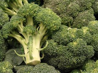 starr-070730-7888-Brassica_oleracea_var_botrytis-florets-Foodland_Pukalani-Maui | by Starr Environmental