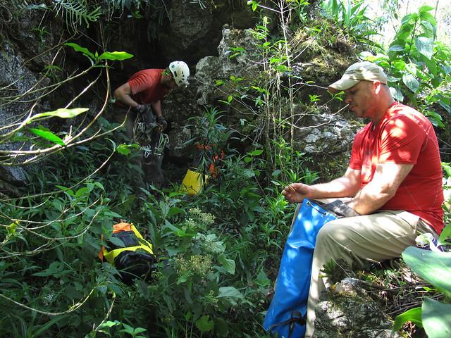 Proyecto Espeleológico Sistema Huautla 2016, 200ft. pit cave discovery