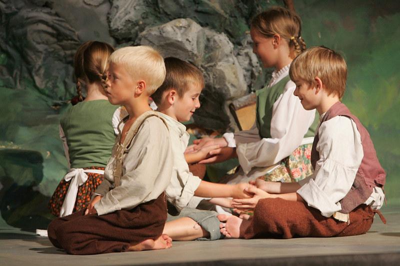 2007 Domača gledališka predstava KEKEC JE PAČ KEKEC - foto Uroš Zagožen