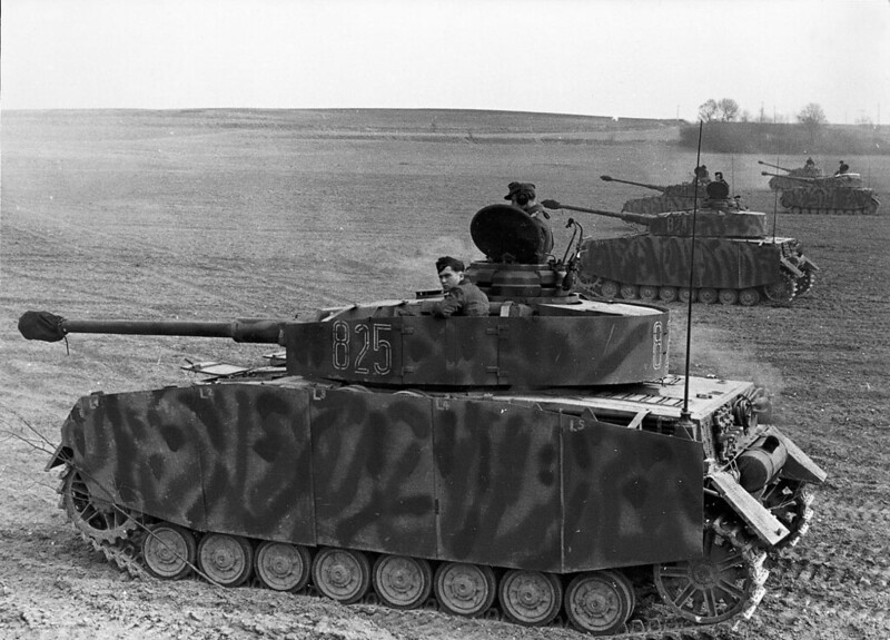 Een lijn van late model Panzer IV