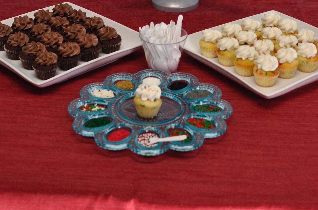 Mini cupcakes with a custom sprinkles bar | Jenny Wenny | Flickr