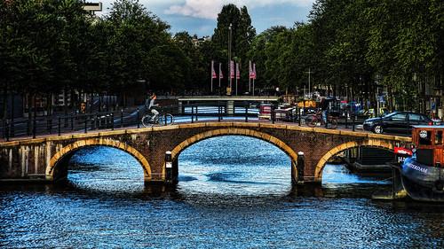 Cruzando el puente | by Miradortigre