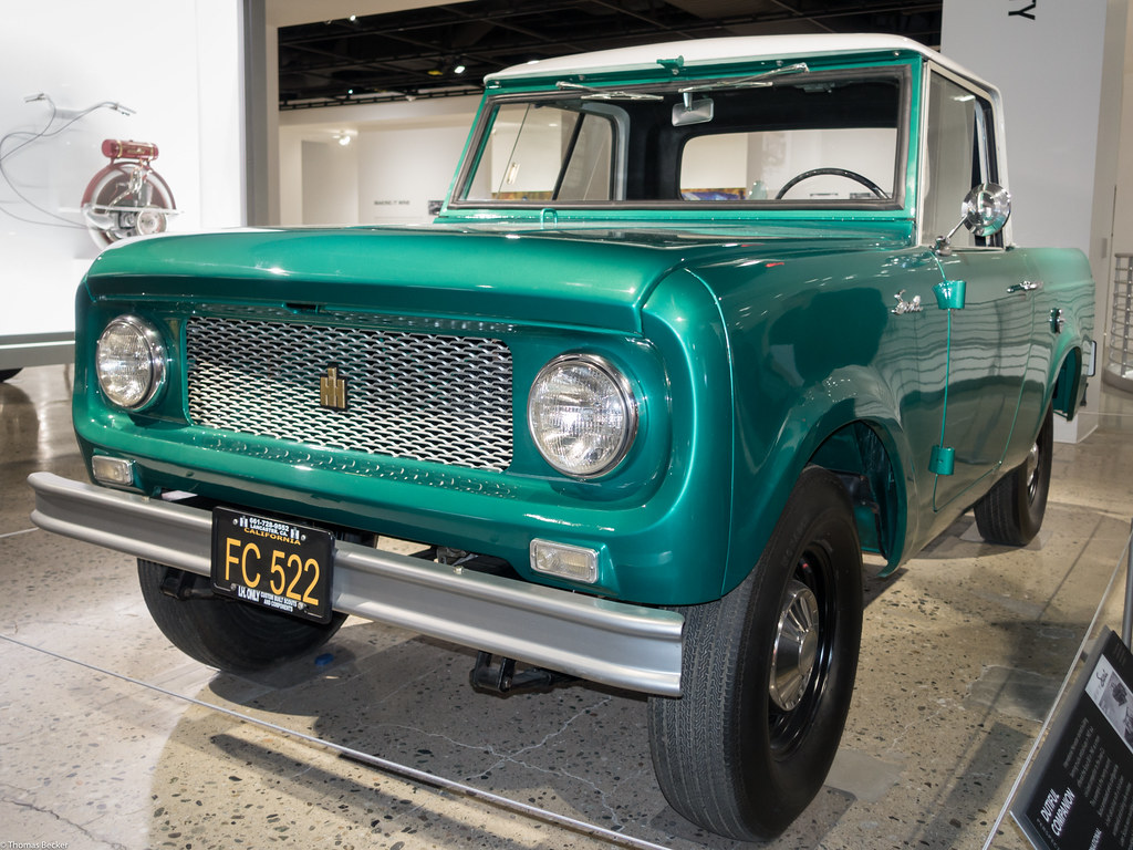 International Harvester Scout 80 (S000580) | This half-cab p