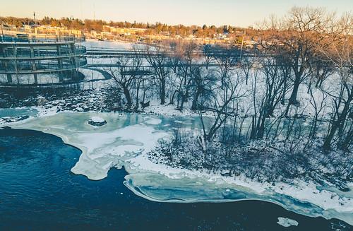winter sunset snow minnesota river frozen us unitedstates mississippiriver riverfront mrt bnsf stcloud lionspark bentoncounty saukrapids bnsfrailway waitepark railwayavenue mississippirivertrail
