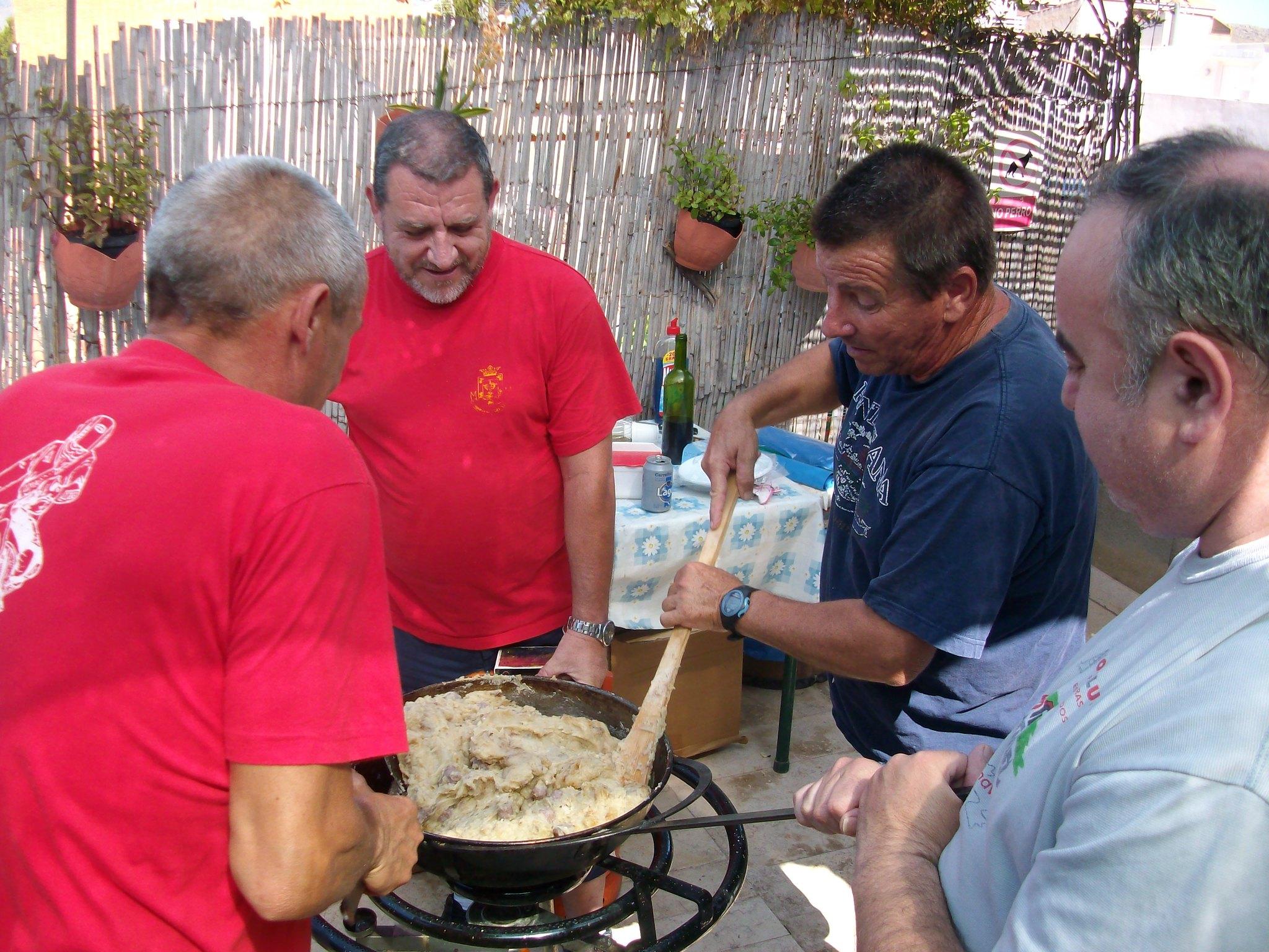 (2013-07-07) - Almuerzo calle del Cristo - José Vicente Romero Ripoll (02)