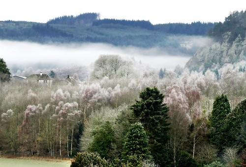 walking landscape scotland outdoor frosty hillwalking ericrobbniven