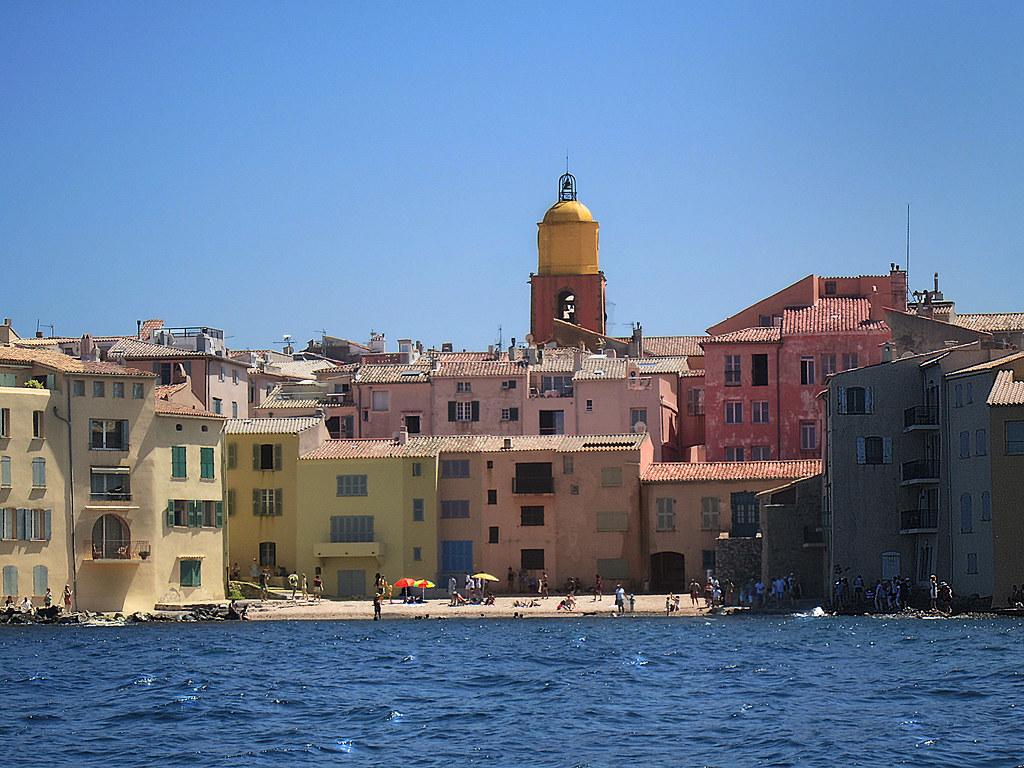 Artiste Peintre St Tropez quartier de la ponche / st tropez | vue de la mer | daniele