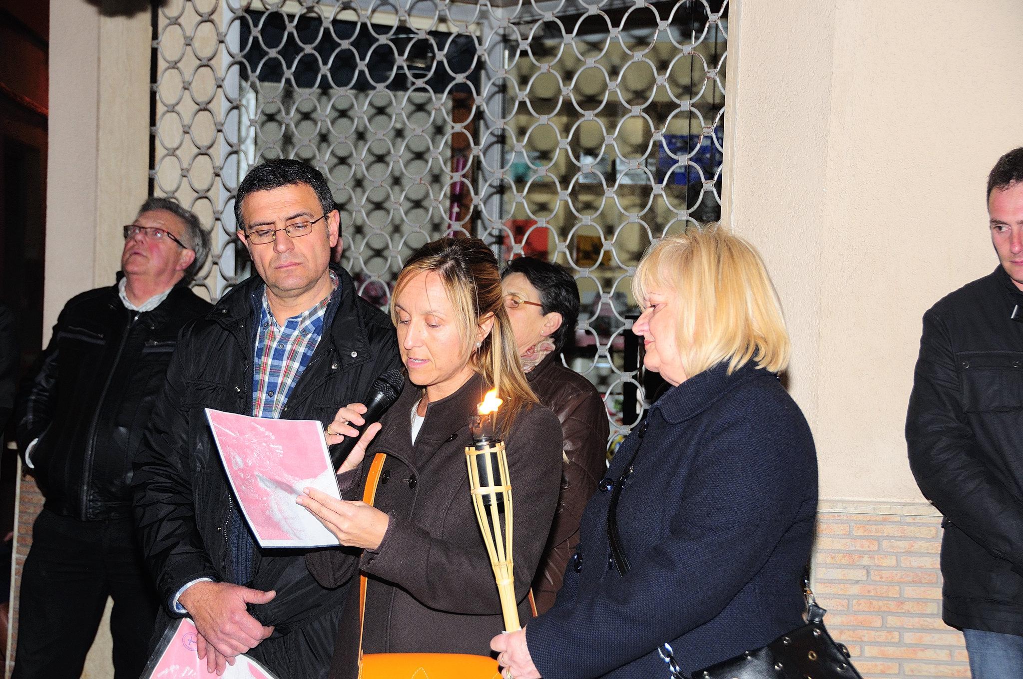 (2013-03-22) - IV Vía Crucis nocturno - Abraham de la Rosa (06)