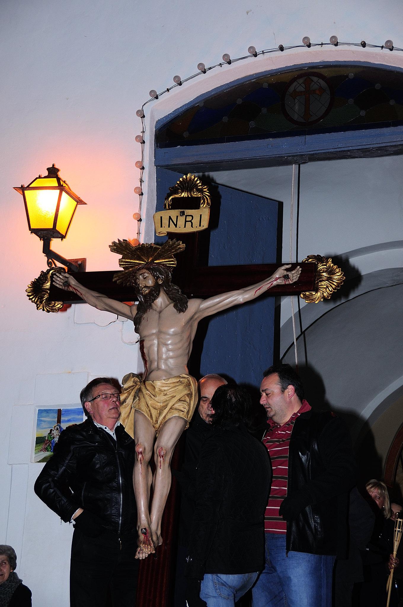 (2013-03-22) - IV Vía Crucis nocturno - Abraham de la Rosa (01)
