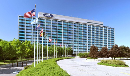 Ford Collaborates with 3M, GE, UAW to Speed Production of Respirators for Healthcare Workers, Ventilators for Coronavirus Patients