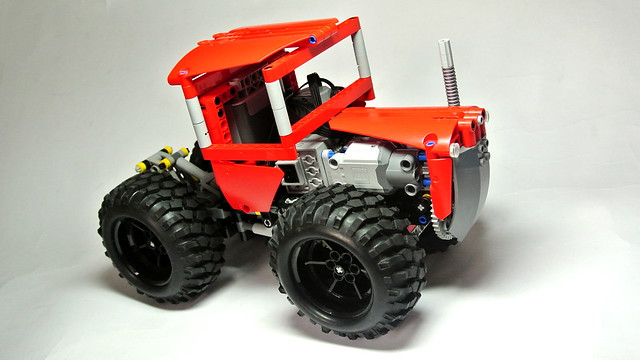 Lego Technic Articulated Tractor (with SBrick)