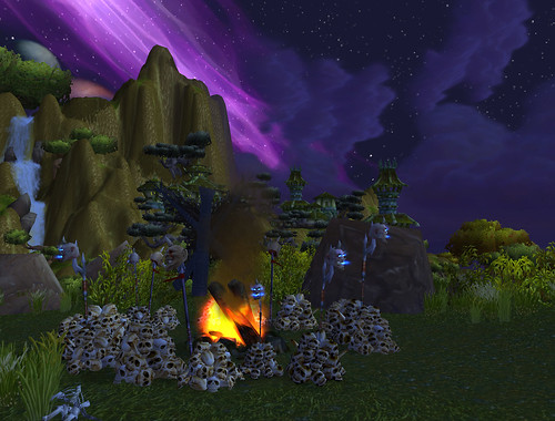 Ogres in Nagrand like to pile skulls in artful patterns | by Batty aka Photobat
