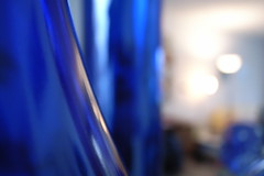 blue vase macro