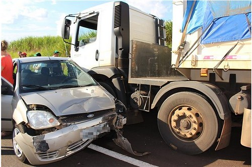 acidente br 376 iguatemi | by vieira_agnaldo