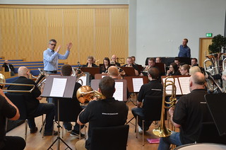 Mattias Hjortlinger dirigerar Cory