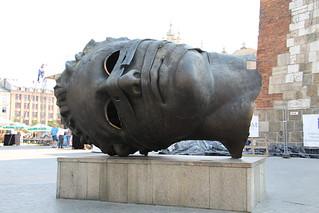 Kraków - Rzeźba Mitoraja