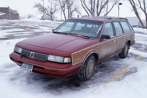 1992 Oldsmobile Cutlass Cruiser SL | by Crown Star Images