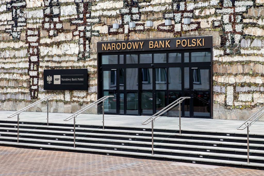 Национальный Банк Польши раскрывает карты. Какова цена пандемии?