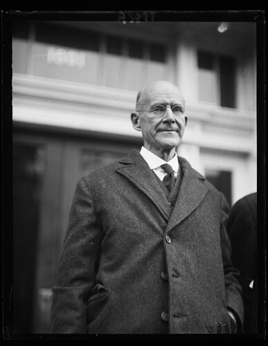 Debs outside Attorney General's office: 1921