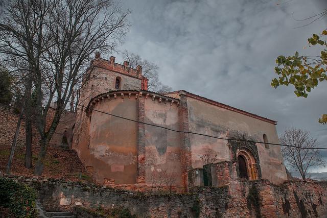 Segovia. Románico bajando hacia la Vera Cruz.