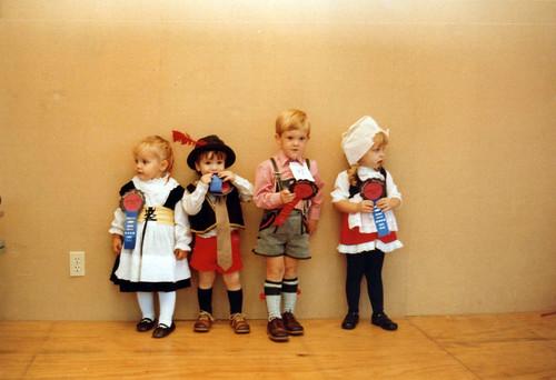 toddlers - Oktoberfest 1982 red book