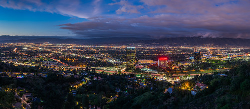 california sunset panorama mountain night clouds la losangeles aerial universalcity valley bluehour universalstudios hollywoodfreeway studiocity lighttrail laist 101freeway universalcityoverlook